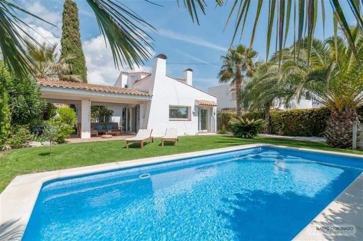 Cosy, Design, Mediterranean - Can Macià - Sant Pere de Ribes - Sitges - Talo