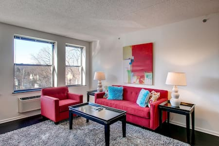 Lux Morristown Green 2 Bedroom w/WiFi - Morristown - Leilighet
