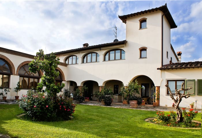 La Corte di Ronzano - Pianvallico - Bed & Breakfast