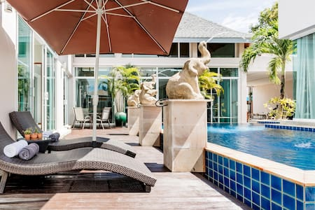 Luxe Pool Villa near Nai Harn and Rawai Beaches