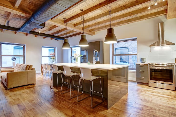 Brand New - Grand Master Loft in Old Montreal - Montréal
