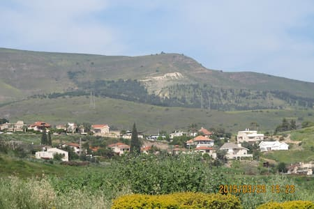 country house in the Jordan Valley - menahamia
