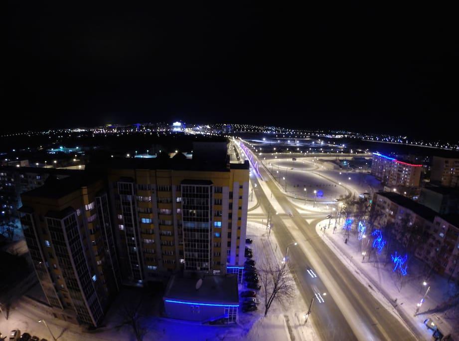 Вид города из окна.