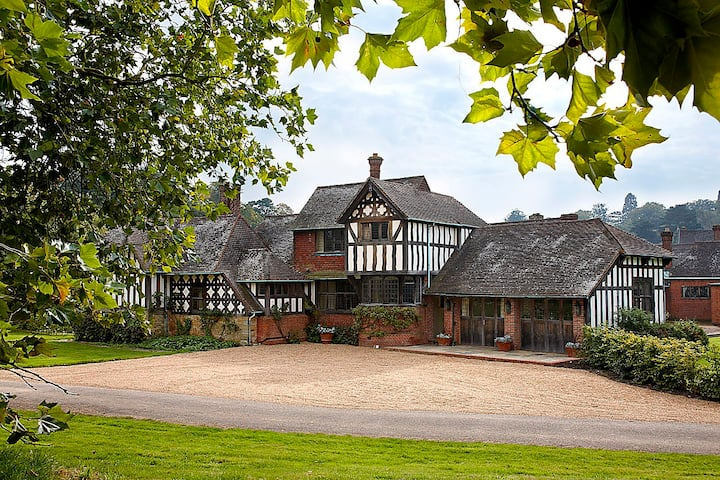 Five-star luxury on the Hever Castle Estate