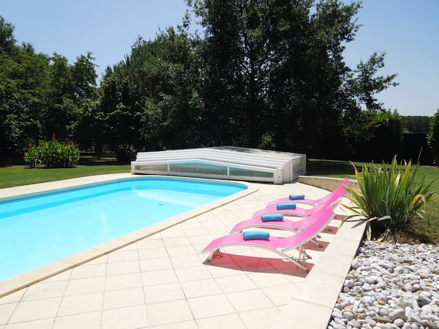 Spacious Villa with Private Pool - Caudrot - Hus