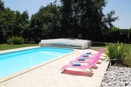 Spacious Villa with Private Pool - Caudrot