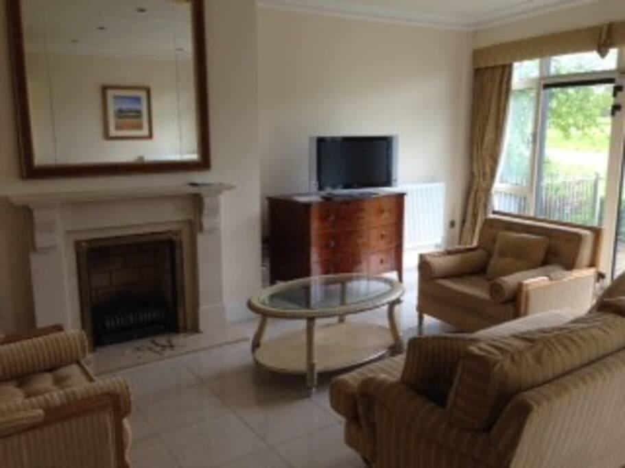 Sitting room/living area