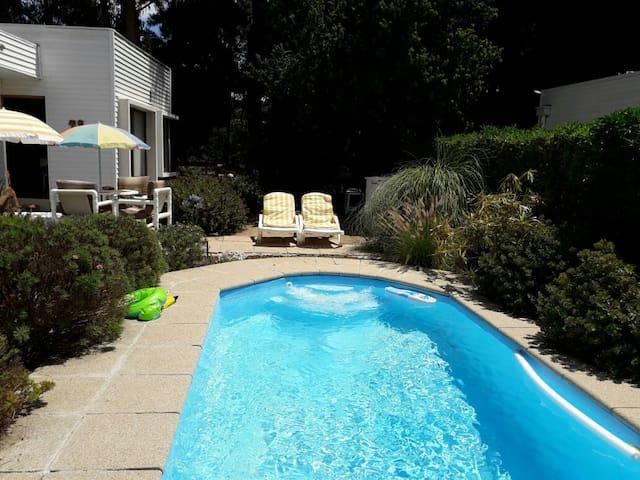 Espectacular casa, full equipada con piscina (6 P)