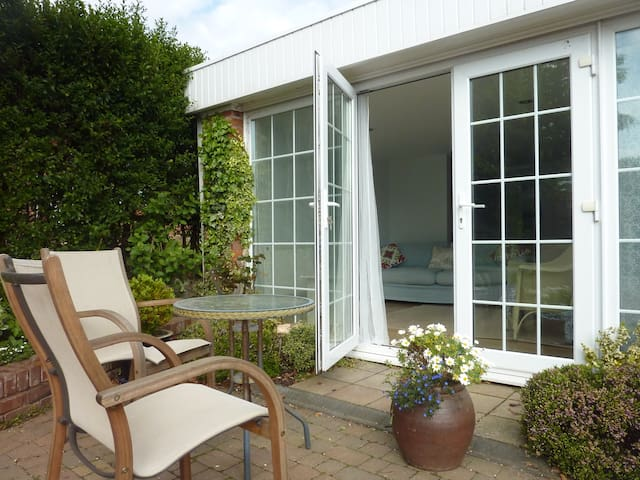 Self-contained studio garden flat - Exmouth