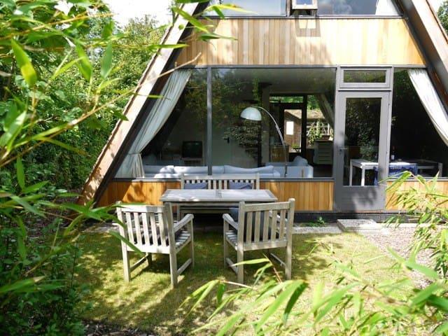 Charmant A-huis, Ouwerkerk, Zeeland - Ouwerkerk - House