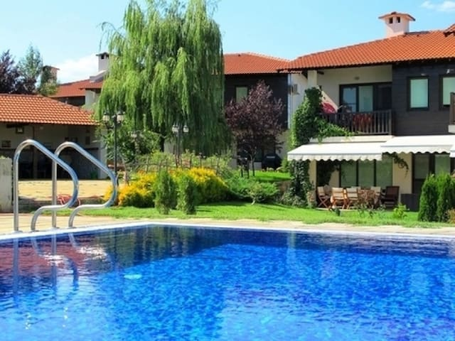 villa green hills priseltsi - priseltsi  - House