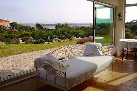 Villa Taphros: romantic, private and relaxing mood - La Maddalena - Rumah