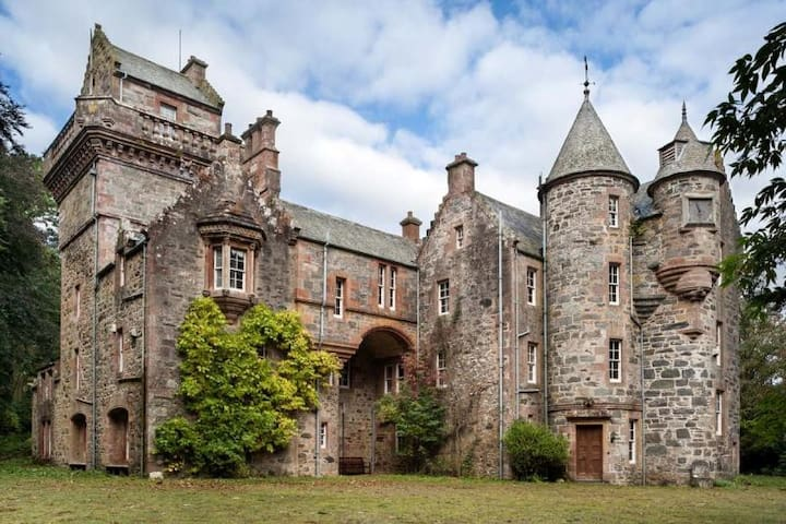 Scottish Highland Castle, Blackcraig Garden Apt
