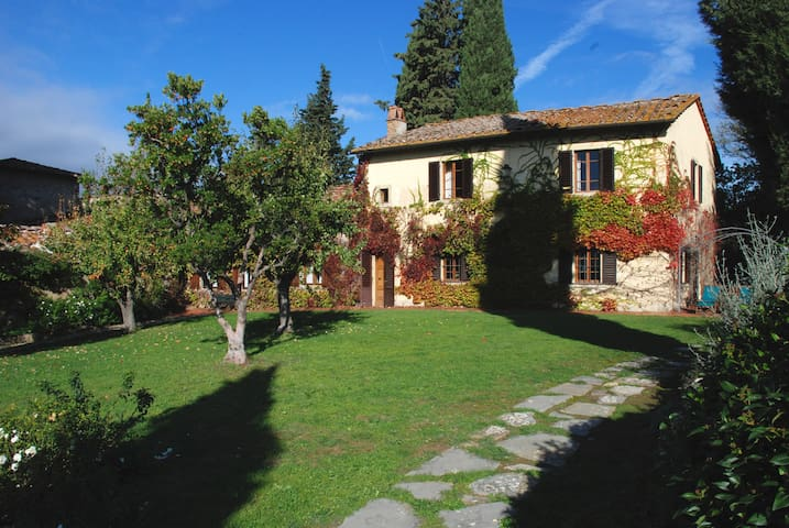 Lupinati La Villa with Swimmingpool - Greve in Chianti - House