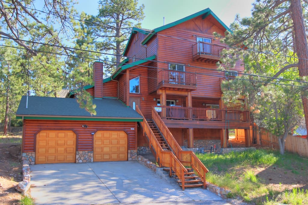 Temple retreat lake billiards spa cabins for rent in for Cabins to rent in big bear