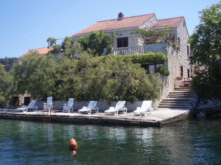 Stone house Gregov, just 4 meters from sea shore