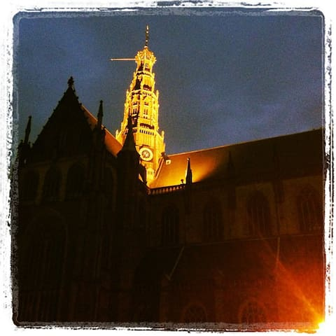 St Bavo Church at the Grote Markt, at night. (250m from the Studio)