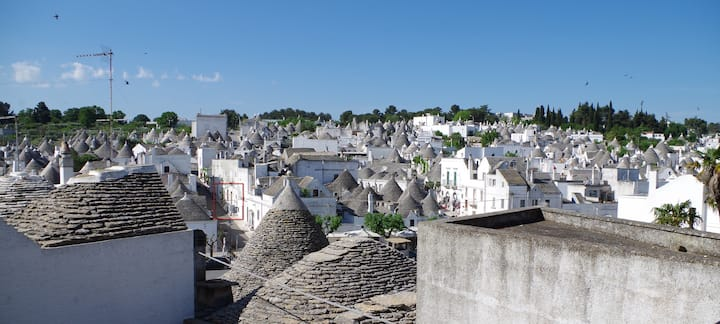 Stay in the centre of Alberobello