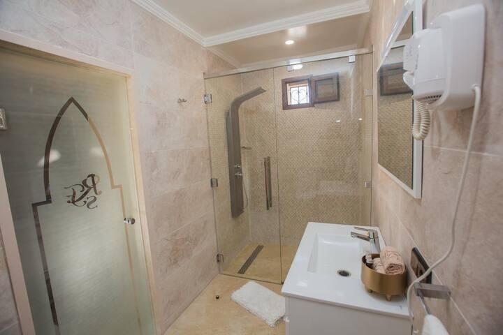 Suite Farah, Luxury Riad in Fes