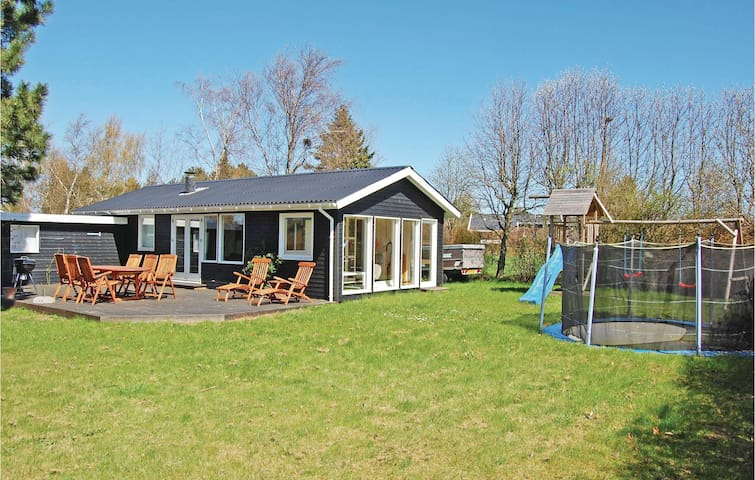 Holiday cottage with 2 bedrooms on 65 m² in Bogø By