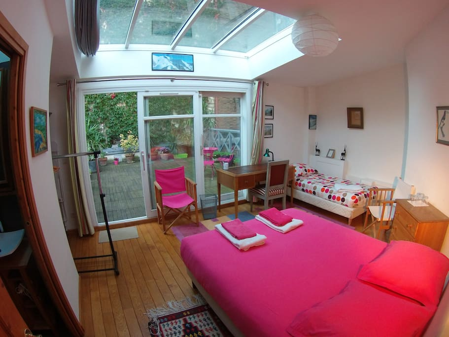magnifique chbre terrasse 20m2 tarif sem mois maisons louer paris le de france france. Black Bedroom Furniture Sets. Home Design Ideas