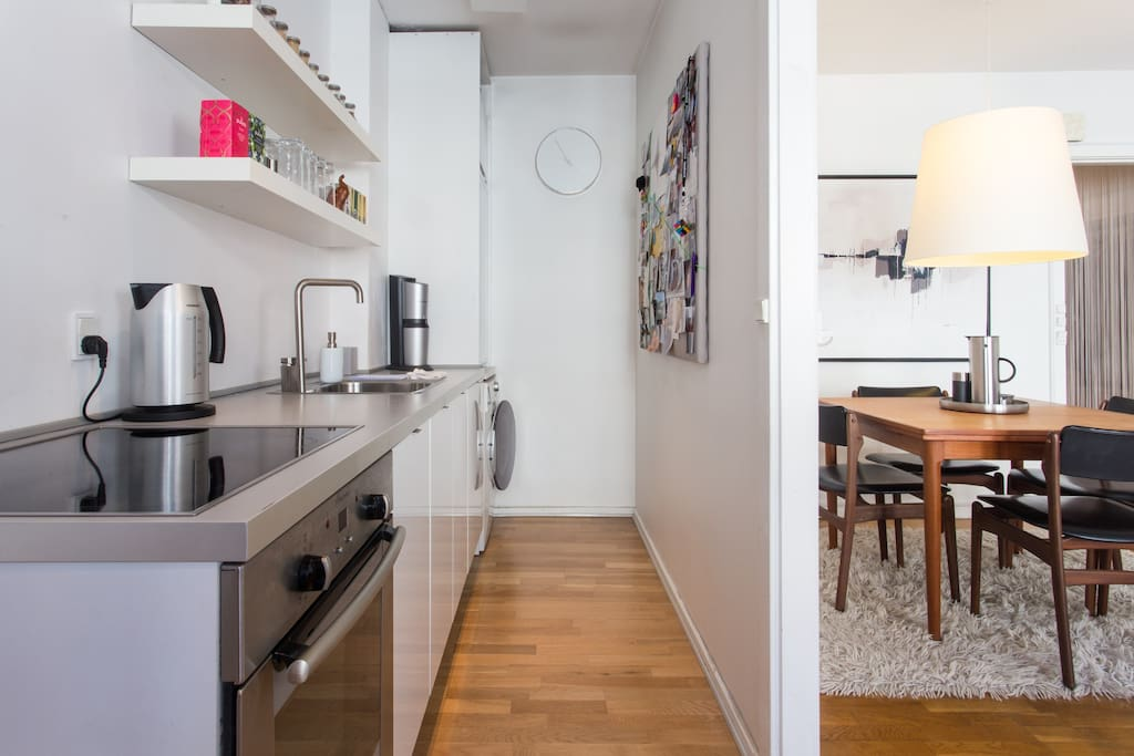 Kitchen in open connection to dining room.