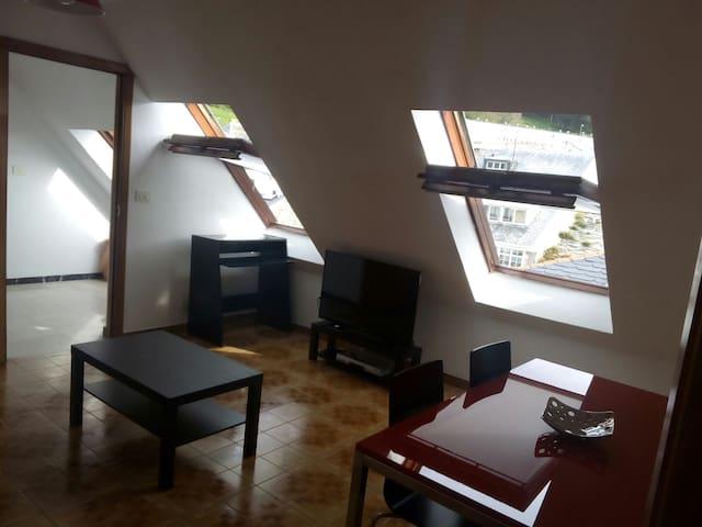 Centrico piso a 100 metros del mar - Viveiro - Wohnung