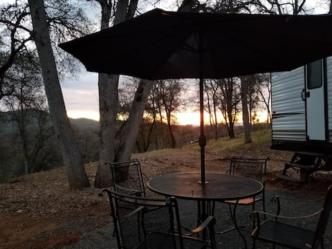 Glamping in the Sierra Foothills!