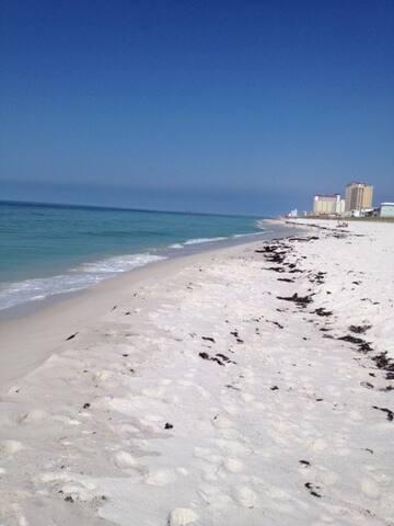 2 BR/2ba condo with Gulf views, sleeps 8 - Pensacola Beach - Apto. en complejo residencial