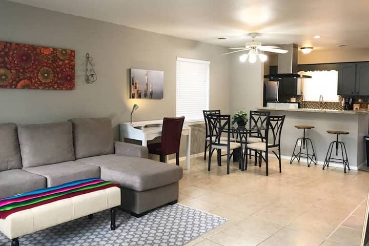 Memorial District/Spring Branch/ 2 Bed Condo