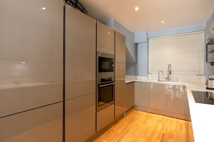 Remarkable Duplex Unit in Farringdon/Clerkenwell