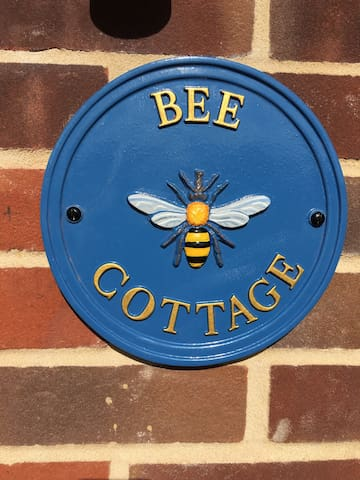 Bee Cottage, Northrepps, North Norfolk - Northrepps - Rumah
