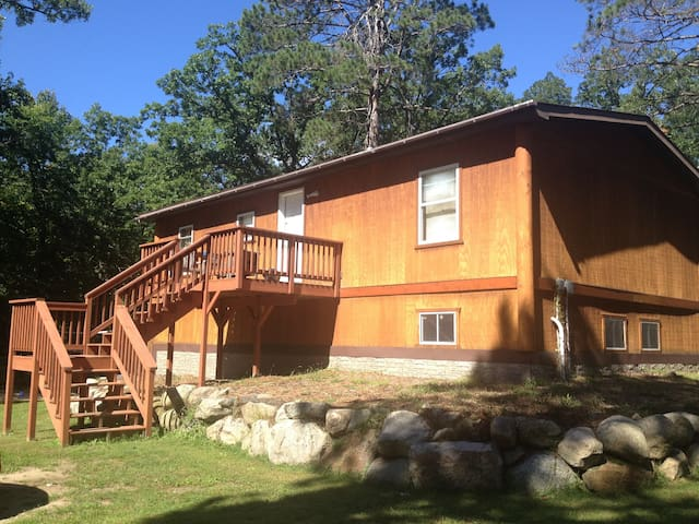 Relax Inn Style 3 bedroom, secluded and private