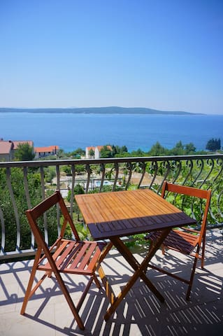 True holiday- sea view apartment A1