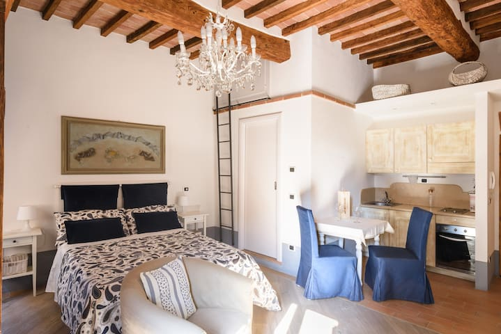 Cozy apartment downtown Montepulciano