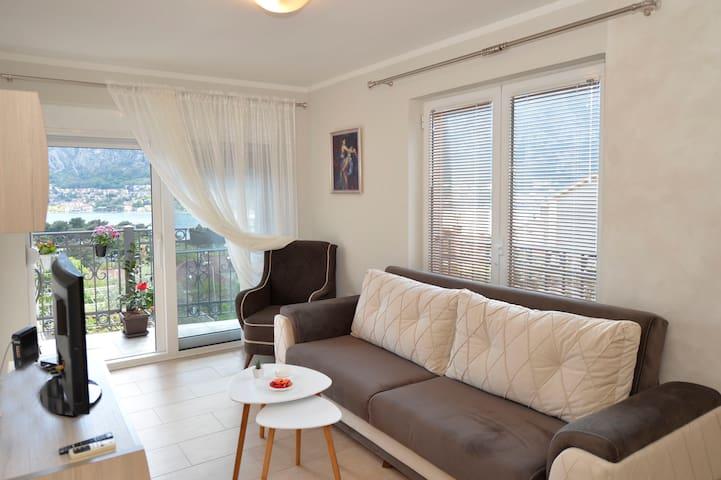 Apartment Kamelija - Dobrota - Apartemen