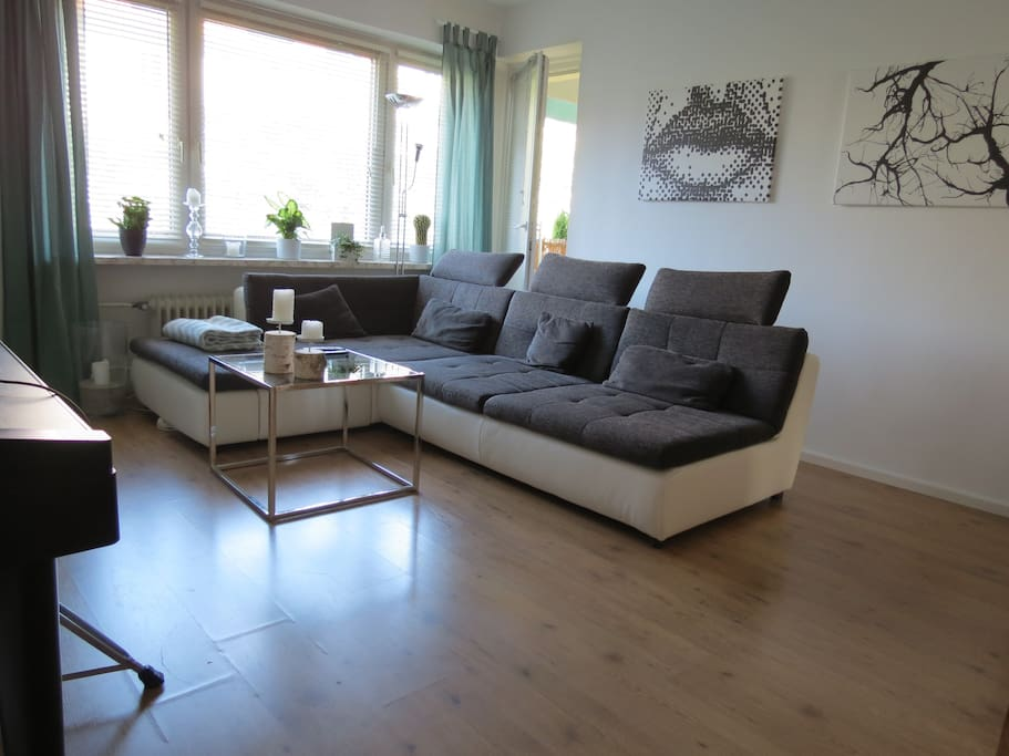 Großes Wohnzimmer // spacious living room