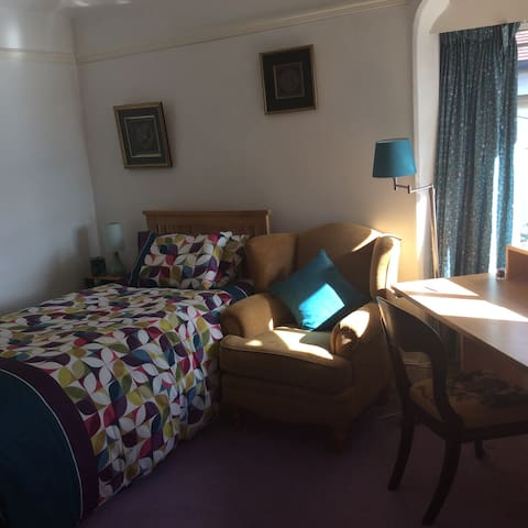 Nice Single Room - Bridgend