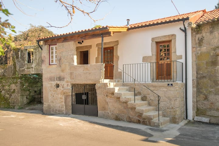 Holiday home with private pool in the village of Santa Comba near Ponte de Lima