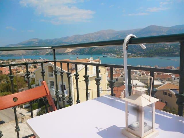 Άνετο διαμέρισμα με πανοραμική θέα στο Αργοστόλι - Argostolion