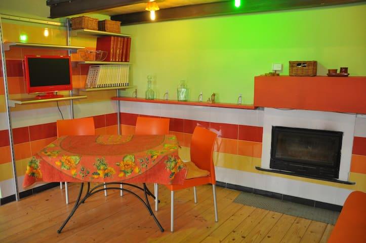 casa indipendente in borgo Casa Platano - Pianavia - Lägenhet