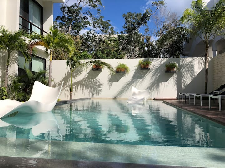 Luxurious 2BR In Tulum minutes from the Beach