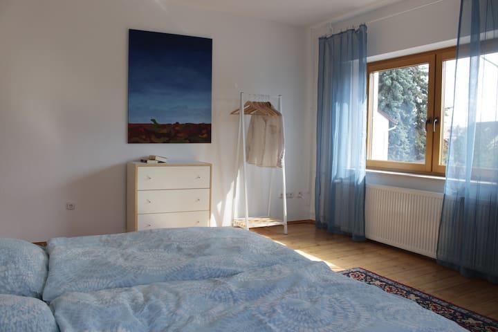 Helles Doppelzimmer