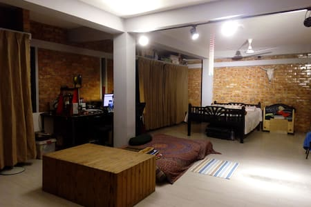 Modern Rooftop Studio Apartment with Porch - Tongi Bazar - อพาร์ทเมนท์