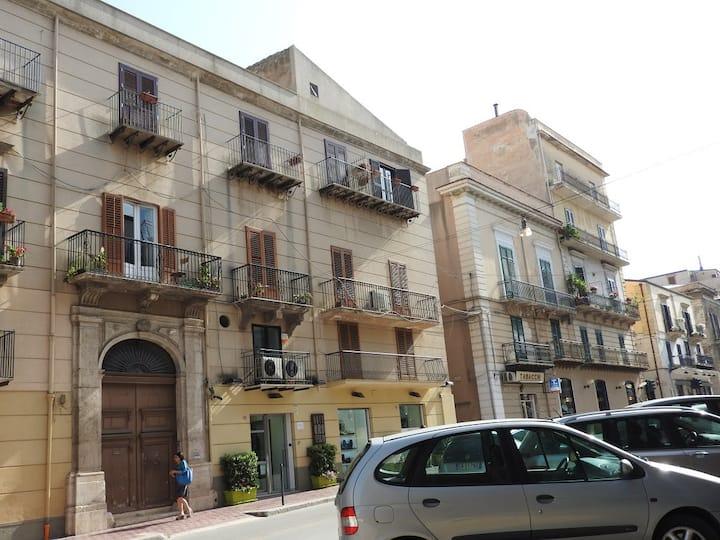 """Palazzo """"PERIA"""""""