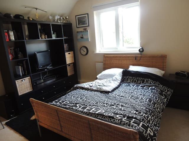 Modern Double room in Duxford, close to Cambridge - Duxford