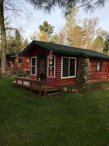 """Reel """"M"""" Inn  ..River front cabin"""