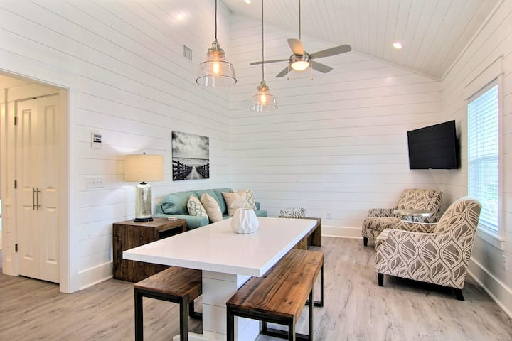 Old Town: Heated Pool, Free Golf Cart, Commercial Ice Maker, In Town