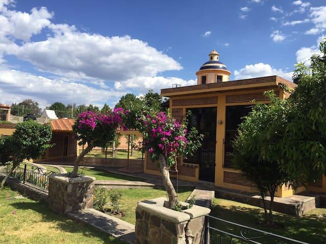 CASA DE CAMPO , DESCANSO A SOLO 15 MIN DE GDL - Huertas del Zamorano - Dům