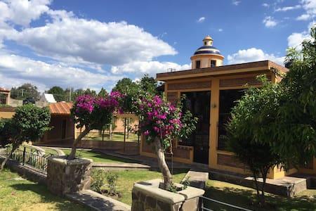 CASA DE CAMPO , DESCANSO A SOLO 15 MIN DE GDL - Huertas del Zamorano